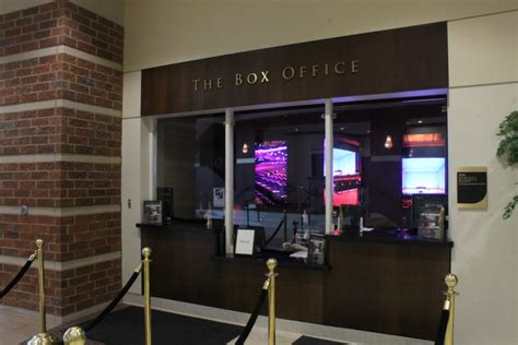 Box office management class offers new avenue for theater